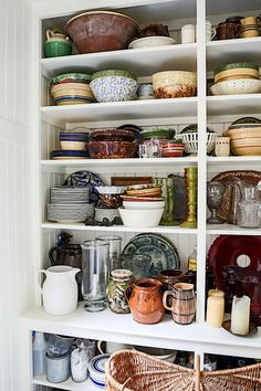 Gil Schafer Pantry at Middlefield Kitchen Dinning, Kitchen Pantry, Kitchen Ideas, American Interior, House On A Hill, Farm House, Pantry Storage, Butler Pantry, Home Kitchens