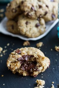 Mom's Simple Oatmeal Chocolate Chip Cookies...The Best Oatmeal Chocolate Chip Cookies Around