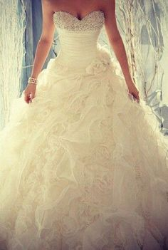 wedding dresses, wedding dresses 2015, #wedding #dresses #bridal #allure