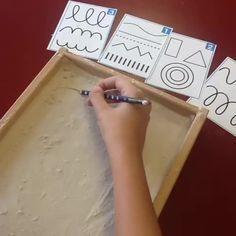 30 Montessori activities for toddlers - Preschool - Aluno On Motor Skills Activities, Montessori Activities, Writing Activities, Preschool Activities, Play Based Learning, Preschool Learning, Learning Centers, Preschool Transitions, Pre Writing