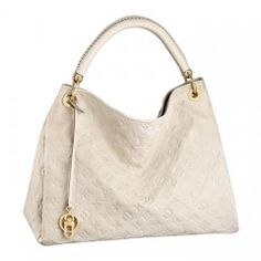 Spacious, sophisticated and chic, the Artsy MM is a timeless tote bag. In sumptuous embossed Monogram Empreinte leather, a luxuriously ornate handle and rich golden color metallic pieces create a… Hobo Purses, Hobo Handbags, Leather Handbags, Purses And Bags, Leather Totes, Lv Bags, Louis Vuitton Artsy Mm, Authentic Louis Vuitton, Vuitton Bag