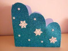 Quando andava a procura de adereços para enfeitar a Frozen Party da minha Princesa, deparei-me com umaslindas escadinhas com decoração de...