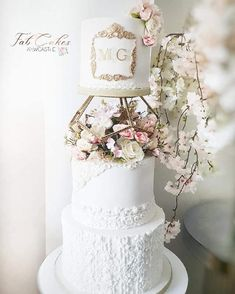 Wedding Cake Icing, Wedding Cake Prices, Purple Wedding Cakes, Wedding Cake Rustic, Wedding Cakes With Cupcakes, Wedding Cake Decorations, Elegant Wedding Cakes, Wedding Cakes With Flowers, Wedding Cake Toppers