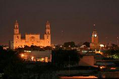 HOY EN NUESTRO TIP DE VIAJE POR MEXICO. CONOCEREMOS ACERCA DE MERIDA, YUCATAN: Mérida es la capital y ciudad más poblada del estado de Yucatán en México. Está ubicada en el municipio homónimo que se encuentra en la Zona Influencia Metropolitana ó Región VI de la entidad. [n 1] [4] La ciudad fue fundada el 6 de enero de 1542 sobre los vestigios de la ciudad maya llamada T'Hó, que ya estaba deshabitada cuando los europeos conquistaron la península de Yucatán. En 2000 la ciudad fue nombrada…