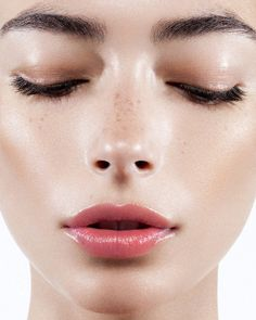 full eyebrows   natural makeup   soft glossy lips   dewy skin
