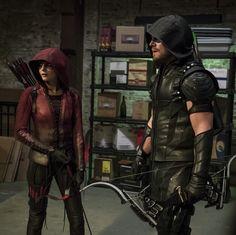 Arrow 4x02 - Green Arrow (Oliver Queen) & Speedy (Thea Queen)