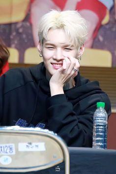 """BEYOND FANCY ☆ do not edit! "" Back Home, Musica Popular, Kpop, Your Boyfriend, Nct Dream, Korean Singer, Boy Groups, Rapper, Alice"