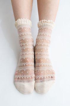 Women New Hezwagarcia Japan Edition Silk Rayon Nylon Beautiful Ruffle Frill Lace Mesh Sheer Sheen Elegant Ankle Socks Stocking in Beige