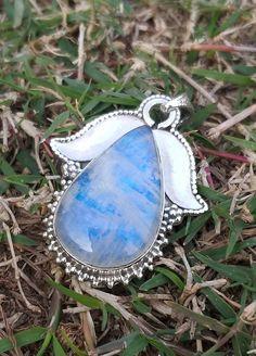 Moonstone Pendant, 92.5% Silver Pendant, June Birthstone, Blue Flash Pendant, Healing Crystal, Rainbow Moonstone Jewelry, Christmas Gift