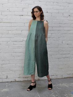 Mica Jumpsuit - Greenery in 2020 Diy Fashion, Fashion Outfits, Fashion Tips, Fashion Design, 2000s Fashion, Retro Fashion, Korean Fashion, Street Style, Look Chic