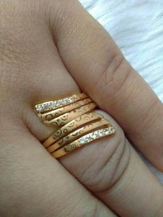 Gold plated Finger Ring is not only one of the most beautiful pieces of jewelry that you could own, it is also most attractive piece in your collection. Gold Chain Design, Gold Ring Designs, Gold Bangles Design, Gold Earrings Designs, Pearl Ring Design, Gold Jewelry Simple, Gold Rings Jewelry, Jewellery Box, Jewelery