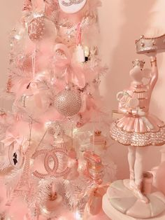 No photo description available. Pink Christmas Decorations, Pink Christmas Tree, Shabby Chic Christmas, Victorian Christmas, Christmas Colors, Vintage Christmas, Christmas Aesthetic Wallpaper, Christmas Wallpaper, Baby Pink Aesthetic
