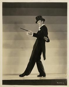 The incomparable Fred Astaire, the very essence of refinement & grace!