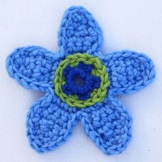 Create a Colorful Flower Applique with This Free Crochet Pattern ~ FREE - CROCHET - BEGINNER