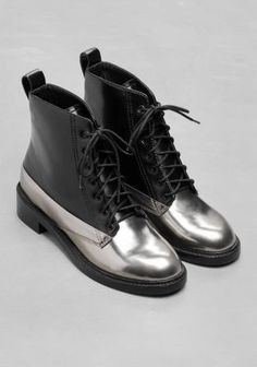 Tendance Chaussures 2017  & Other Stories image 2 of Silver Lace-Up Leather Boots in Silver