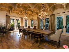 This property also boasts of a wading pool, extravagant guest house and tennis courts.