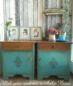 Süße Nachttische  Shabby chic á la Provence Ein Sommergruß aus der Provence #ShabbyChic #Vintage #Nachttisch #Nachtschrank #painted Furniture #Provence #Landhaus #romantisch #Wachs #50er #Handmade #Holz