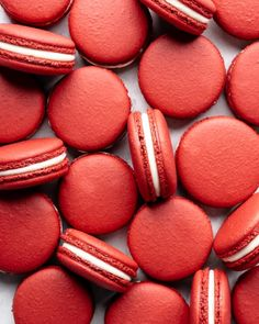 Boldly bright and filled with cream cheese frosting, these red velvet macarons are an excellent snack for any valentines day festivities. Rainbow Aesthetic, Aesthetic Colors, White Aesthetic, Aesthetic Grunge, Aesthetic Vintage, Aesthetic Pastel, Pastel Red, Red Pictures, Red Images