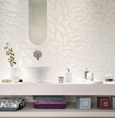 Essenziale: Mattonelle per il Bagno: idee e soluzioni in ceramica e gres  - Marazzi