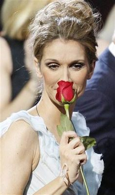 Celine Dion, sa biographie et ses photos; nee le 30 mars 1968 a Charlemagne
