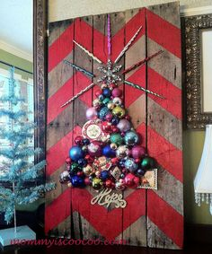 How to Make a Chevron Pallet Ornament Christmas Tree - This may be my new Christmas favorite. Anyone can do this regardless of their budget - which is one of th…