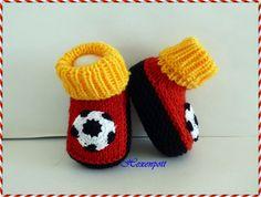 Babyschuhe DEUTSCHLAND II von Hexenpott auf DaWanda.com Baby Socks, Baby Hats, Emoji Coloring Pages, Best Baby Gifts, Baby Alive, Crochet Shoes, Goods And Services, Baby Booties, Baby Knitting