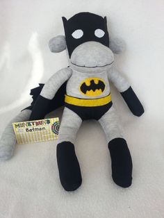 Hopefully my grandma can make this! :) - Be Batman - Ideas of Be Batman - Batman Sock Monkey. Hopefully my grandma can make this! Sock Crafts, Fun Crafts, Sewing Crafts, Movies Costumes, Batman Socks, Batman Batman, Craft Projects, Sewing Projects, Nananana Batman