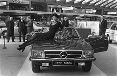 1973 Mercedes-Benz 350SL (R107) & Dutch actress Sylvia Kristel | Flickr - Photo Sharing!