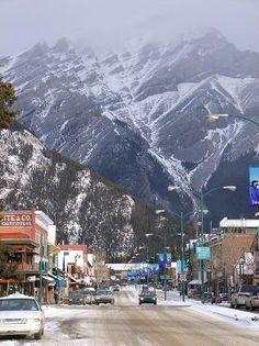 Banff, Calagary, Canada. I wanna go back here!! I want to go back and snowboard : )