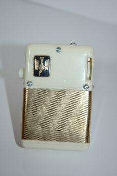 Vintage item from the 1950s: bakelite, metal, transistor radio