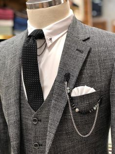 Available Size : material : wool , pes Machine washable : No Fitting : slim-fit Remarks : Dry Cleaner Lux Fashion, Stylish Mens Fashion, Mens Fashion Suits, Mens Suits, Wool Vest, Vest Jacket, Black Suit Vest, Vintage Wear, Menswear