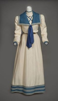 Linen yachting ensemble embroidered with the insignia of the New York Yacht Club, Mrs. John Nicholas Brown (née Natalie Bayard Dresser) included this outfit in her honeymoon trousseau. Preservation Society of Newport County. 1890s Fashion, Edwardian Fashion, Vintage Fashion, Steampunk Fashion, Gothic Fashion, Vintage Mode, Look Vintage, Vintage Outfits, Vintage Dresses