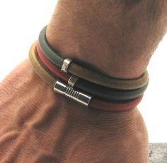 Men's leather bracelet Natural red green color por eliziatelye