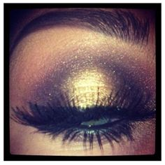 GOLD/BRONZE glittery eye make-up, great for a night-out or keep it subtle for school with barely flushed cheeks and nude lips!