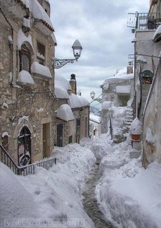 Vico del Gargano - Travel ideas for all around The World - Autumn & Winter Winter Szenen, Winter Magic, Winter Poster, Snow Scenes, Winter Pictures, Winter Landscape, Belle Photo, Beautiful Places, Scenery
