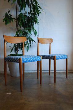 """1950年代から60年代にかけて良質なソファやチェアを数多く製造したことで知られるSlagelse Mobebelvaerk社から、アイスランド出身のデザイナーKnud Faerch(クヌ・フェーク)が発表した""""model 343""""ダイニングチェアです。¥58,000<Lewis>"""