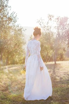 A Italian Destination Wedding In Tuscany with a Katya Katya Shehurina dress. 0013 A Tuscan Treasure