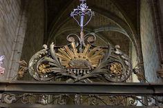 Lodève_cathedral_agnus_dei395.JPG 3,776×2,520 píxeles