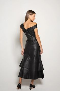 Leather Dresses, Leather Skirt, Fendi, Jumpsuit Dress, Leather Fashion, Dress Making, My Girl, Ideias Fashion, Fall Outfits
