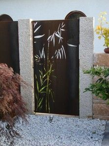 PARAS blinds steel for the garden and the home Bamboo Trellis, Bamboo Plants, Balustrade Balcon, Balcony Plants, Bright Paintings, Gallery Frames, Metal Fence, Light Turquoise, Cool Pools