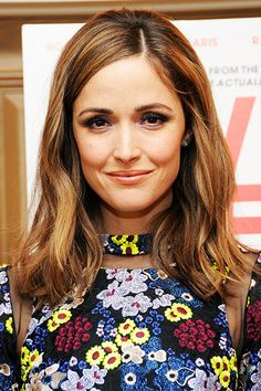 "The Most Flattering Hairstyles for Long Faces Avoid Volume on Top ""Don't make your hair too high,"" because it can stretch the look of your face, Howse says. ""Keep things flatter on the top."" Rose Byrne's style is perfect for long faces."