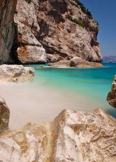 Add Costa Smeralda to your travel wishlist.