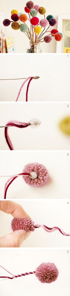 DIY Anleitung: Pom-Pom Blümchen aus Wolle basteln // diy: how to craft yarn Pom Poms via DaWanda.com