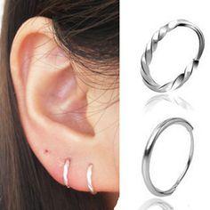 Mini anneaux en or ou argent pour garder en permanence dans mes 4 trous d'oreilles. 10mm