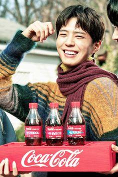 others – star media :: Park Bo Gum :: / page 6 Coca Cola, Park Go Bum, Bo Gum, Korean Actors, Singer, Entertaining, Guys, Star, Good Luck
