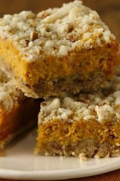 No need to say no to dessert while on a gluten-free diet. Try our spicy pumpkin bars made with Betty Crocker® Gluten Free cake mix. Gluten Free Pumpkin Bars, Gluten Free Deserts, Gluten Free Sweets, Gluten Free Cakes, Foods With Gluten, Gluten Free Cooking, Dairy Free Recipes, Pumpkin Recipes, Vegan Gluten Free