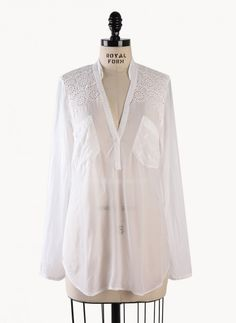 #JohnnyWas white patch pocket top #earabstracts #boutique