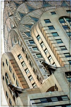 Close up at Chrysler building by William Van Alen in New York City. A classic example of Art Deco architecture, the Chrysler Building is considered by many contemporary architects to be one of the finest buildings in the world. Chrysler Building, Art Et Architecture, Architecture Details, Nyc, Nature Living, Pattern Wall, Photographie New York, New York City, Inspiration Drawing