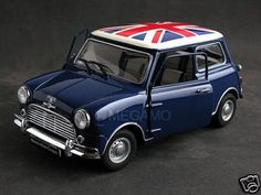 Mini Cooper - original Mini Cooper Classic, Mini Cooper Uk, Mini Cooper Clubman, Classic Mini, Classic Cars, Morris Traveller, Mini Morris, Mini Copper, Mini Flags