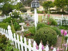 .I love Susan Branch garden